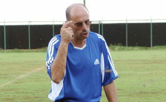 Stephen Constantine,  HLV Henrique Calisto,  HLV An Do,  Asian Cup anh 1