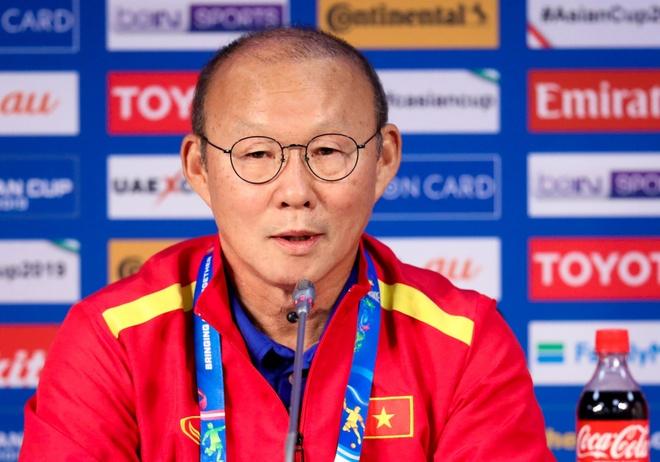 HLV Park: 'Khong lo lang VAR, Viet Nam chi can choi tot truoc doi thu' hinh anh