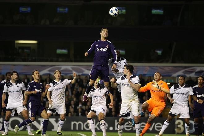 Dieu gi da giup Ronaldo co nhung ban thang danh dau loi hai? hinh anh 1