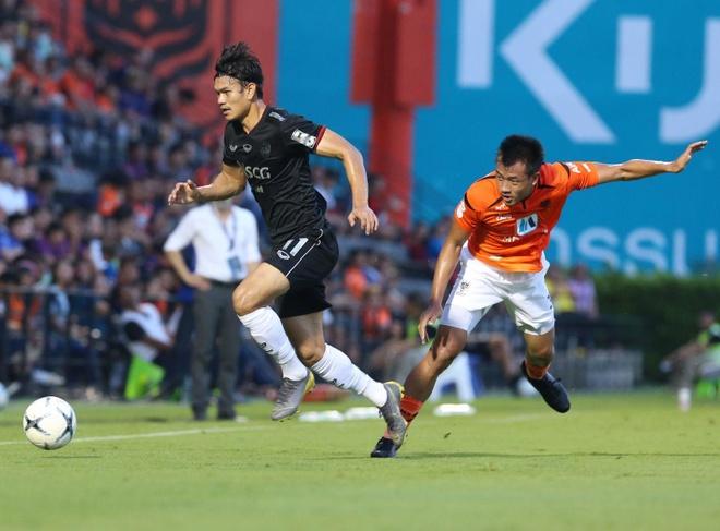 Dang Van Lam,  Muangthong United,  doi tuyen Viet Nam,  Thai League anh 2