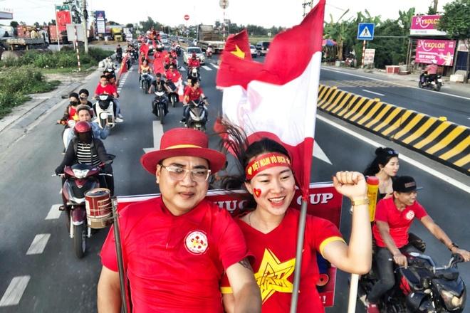 CDV Hai Phong dot phao sang tren duong den Ha Noi hinh anh