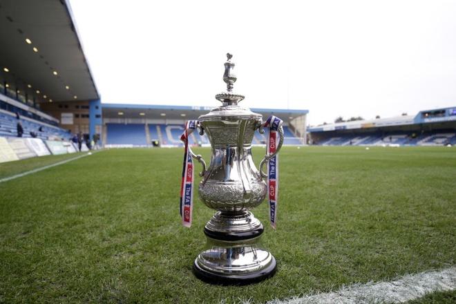 Man City lap thanh tich chua tung co neu vo dich FA Cup hinh anh 1
