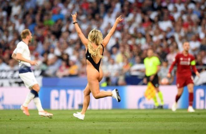 Nu CDV gay nao loan chung ket Champions League hinh anh 3