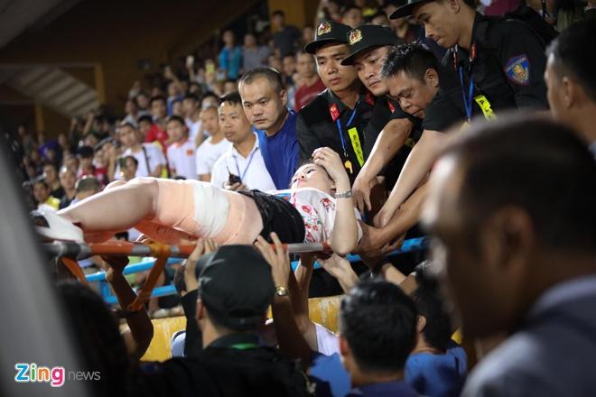 CDV va CLB Nam Dinh co the bi xu phat vu dot phao sang ra sao hinh anh 2