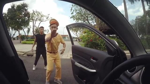 DJ Tit, BigDaddy gay tranh cai khi 'nhay lao ra khoi xe' hinh anh 2