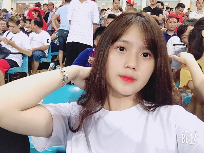 Ban gai Thanh Chung: 'Rat thuong anh khi khong the tham du ASIAD 2018' hinh anh 13