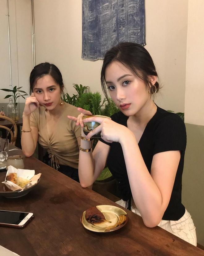 Hot girl Lao goc Viet bat ngo dang anh dao choi pho di bo Ha Noi hinh anh 8