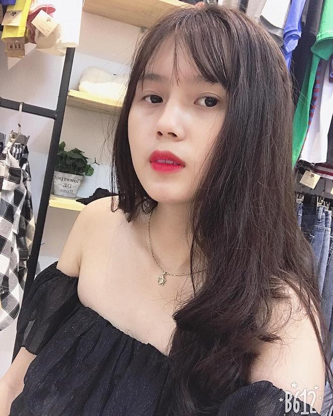 Ngam dan ban gai cau thu U23 Viet Nam khoe dang voi bikini hinh anh 11
