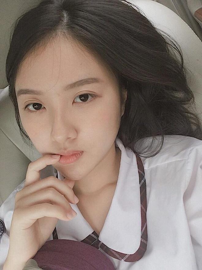 Hot girl 10X the he moi: Xinh dep va noi bat khong kem dan chi