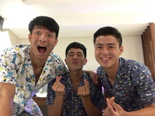 Bo ba hau ve Olympic Viet Nam 'don tim' fan voi loat anh dang yeu hinh anh 4