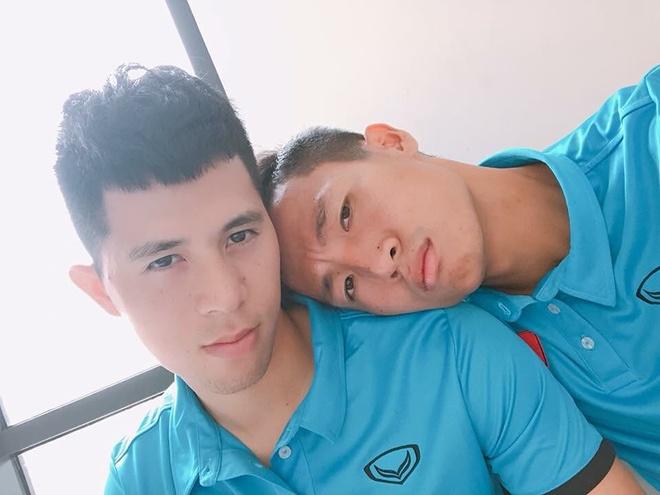 Bo ba hau ve Olympic Viet Nam 'don tim' fan voi loat anh dang yeu hinh anh 10