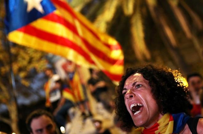 Co lap, bat on va bao luc cho doi Catalonia hinh anh