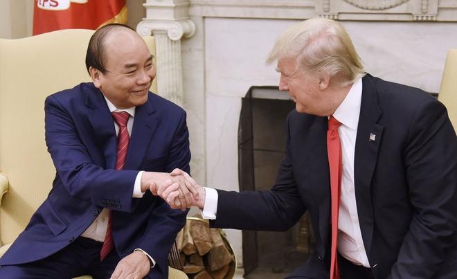 22 nam tu Bill Clinton toi Donald Trump: Quan he Viet - My bay cao hinh anh