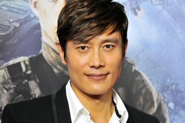 Ca si tong tien Lee Byung Hun vao tu, nhom nhac giai tan hinh anh