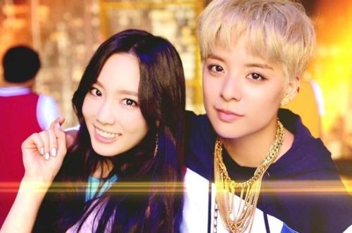 Amber va Taeyeon thanh cap bai trung trong MV moi hinh anh