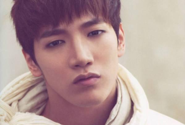 2PM kien cu dan mang lang ma bo cua Jun.K hinh anh