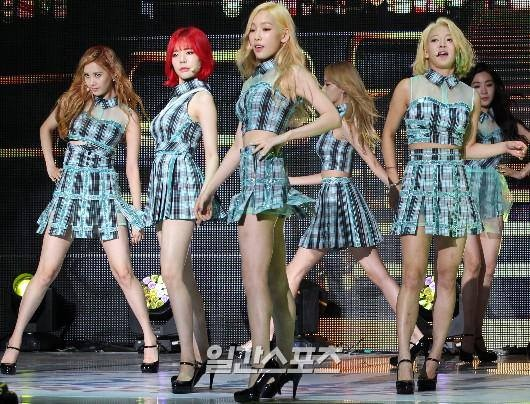 Check (live - show Girls' Generation Party) - SNSD hinh anh