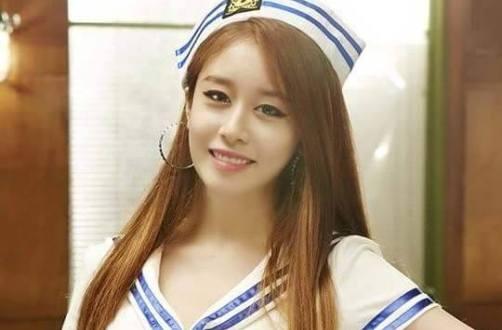 Jiyeon (T-ara) chia se anh banh ky niem tu Queen Viet hinh anh