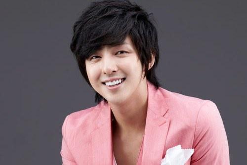 Kibum bat ngo chia tay Super Junior hinh anh