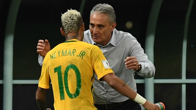 Huan luyen vien Brazil vuot mat Neymar o quang cao World Cup 2018 hinh anh