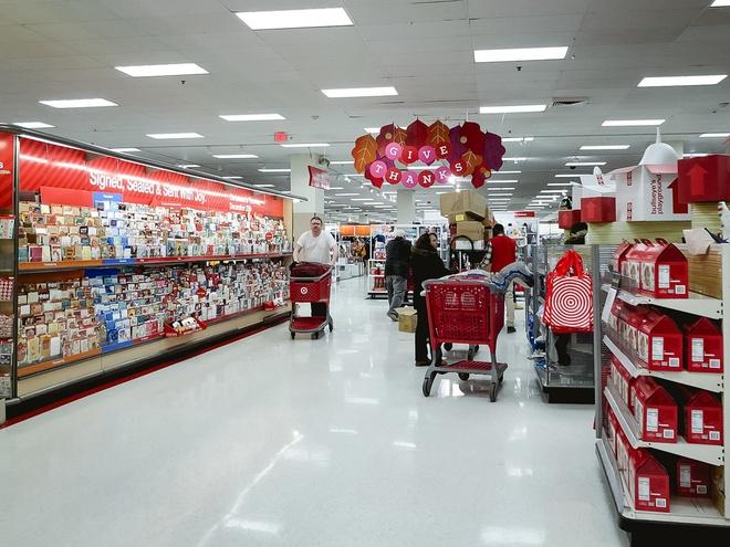 Best Buy, Target vang tanh, khong ai mua sam ngay Black Friday o My hinh anh