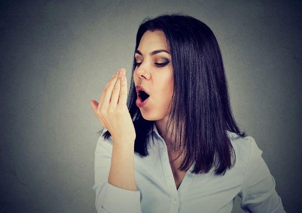 Mẹo đơn giản giúp đánh bay mùi hôi miệng