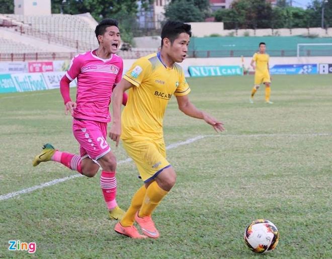 Tuyen thu U23 Viet Nam Phan Van Duc giup SLNA thoat nhom cuoi bang hinh anh 6