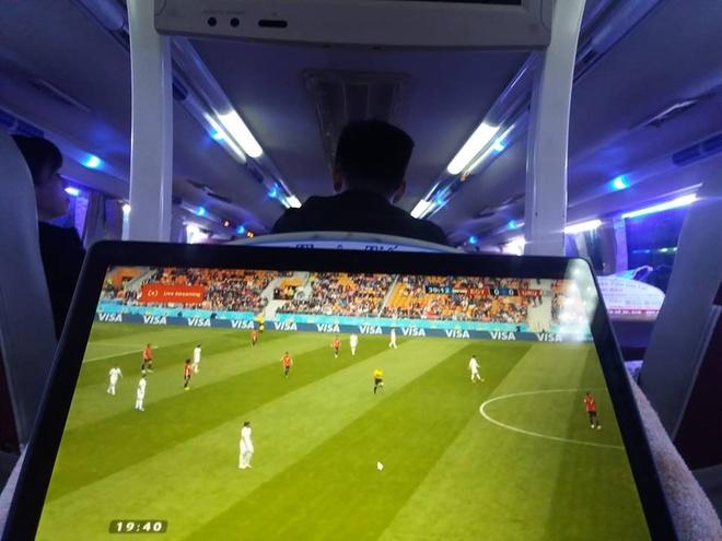Trai nghiem xem World Cup tren tau va xe khach hinh anh 3