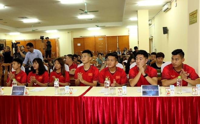 'Muc tieu cua Olympic Viet Nam la vuot qua vong bang ASIAD 2018' hinh anh 2