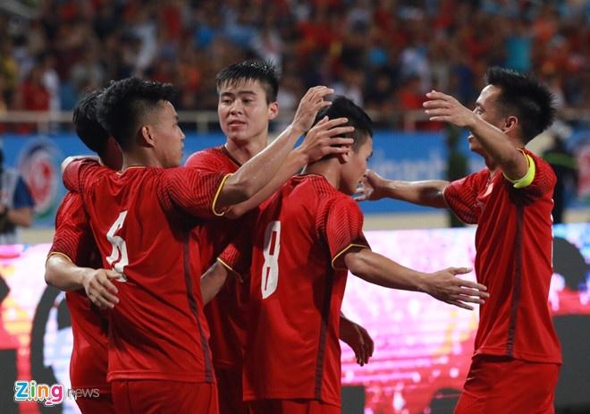 Thay gi tu 'man chao hoi' cua tuyen Olympic Viet Nam? hinh anh