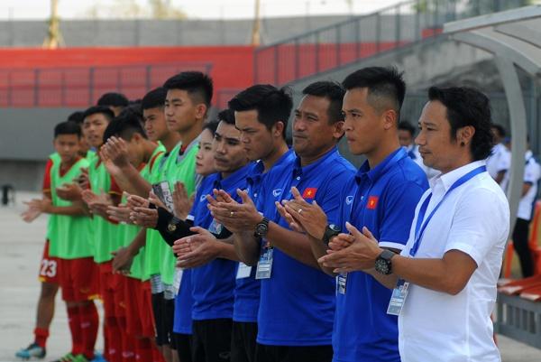 Noi got dan anh U19, U16 Viet Nam bi loai tu vong bang giai Dong Nam A hinh anh 2