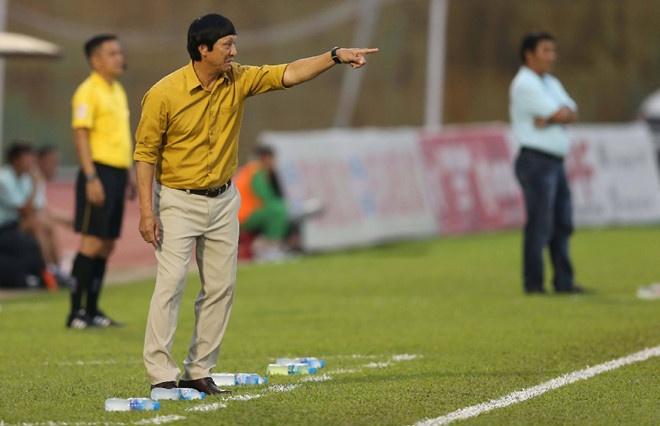 HLV doi bet bang quyet choi tat tay cho phan con lai V.League 2018 hinh anh