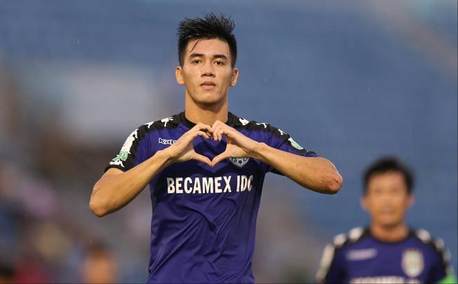 Tien Linh vuot Cong Phuong de tro thanh 'vua pha luoi noi' o V.League hinh anh