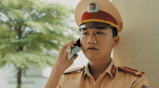Mr. Can Tro: 'Thich bat chuoc chu Hoai Linh gia giong de choc cuoi' hinh anh