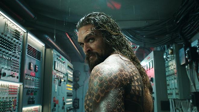 'Aquaman' boi thu, an dinh ngay ra mat phan hai hinh anh 2