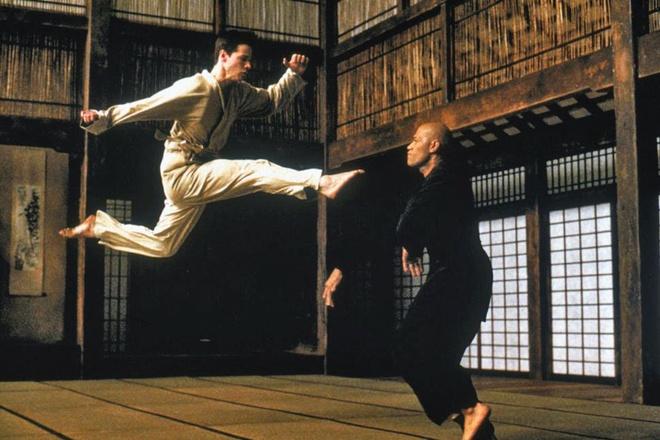 Dao dien 'John Wick' tung nhieu lan dong the cho Keanu Reeves hinh anh 1
