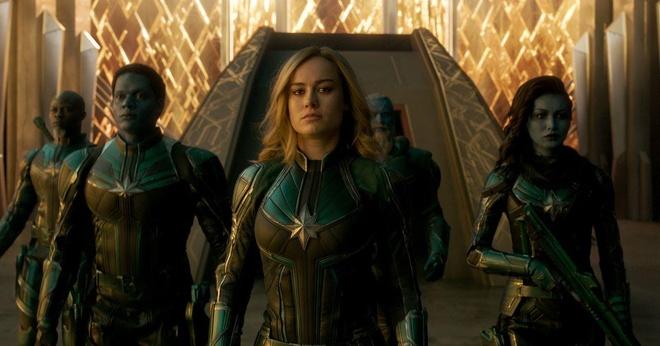 Nguoi phu nu goc Viet dung sau cac sieu anh hung 'Avengers: Endgame' hinh anh 2