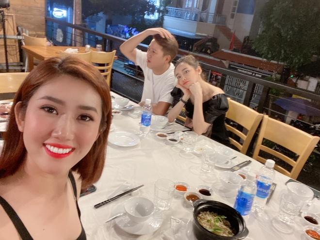 Thuy Ngan di choi Truong Giang anh 2