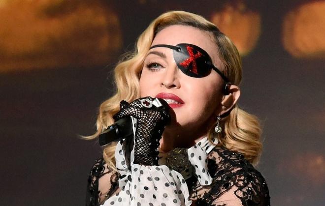 Madonna bi kien vi dien khong dung gio hinh anh 1