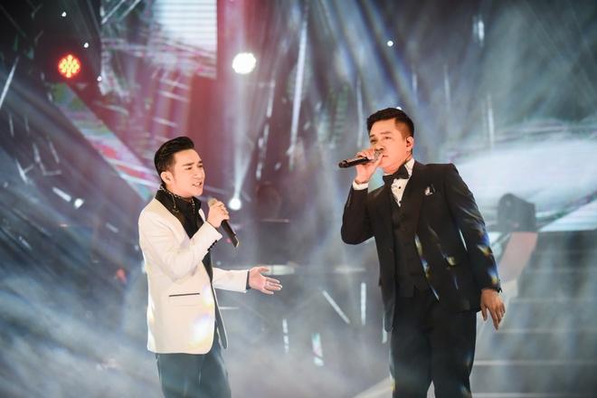 Tuan Hung hat khong lay cat-xe trong show Quang Ha hinh anh 5