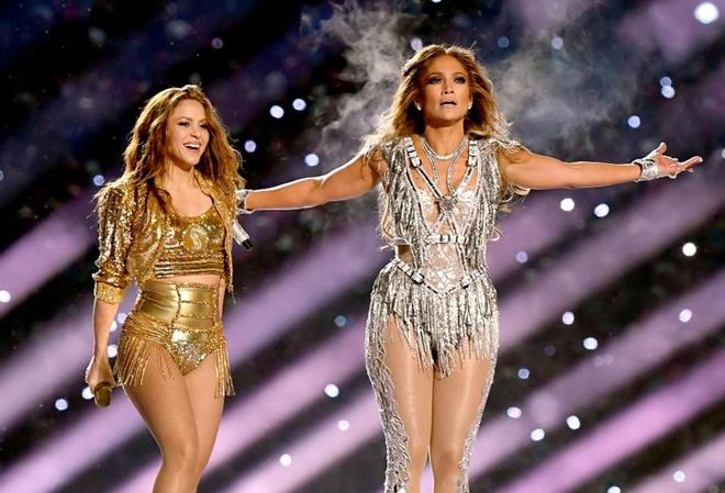 230 bo vay, 143 doi giay va phia sau man mua cot cua Jennifer Lopez hinh anh 2 960x0.jpg