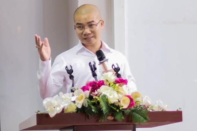 Nguyễn Thái Luyện nói gì với khách hàng về Alibaba?