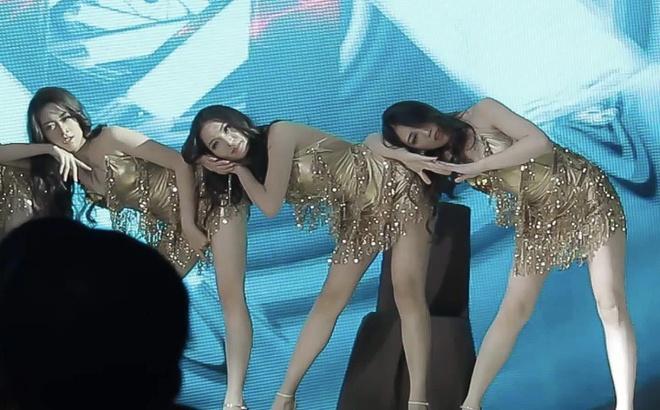 Top 60 Hoa hau Hoan vu nhay sexy khuay dong san khau hinh anh