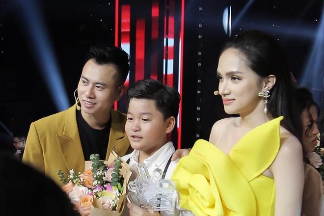 Huong Giang: 'Toi soc va hut hang vi su co cua MC Nguyen Khang' hinh anh