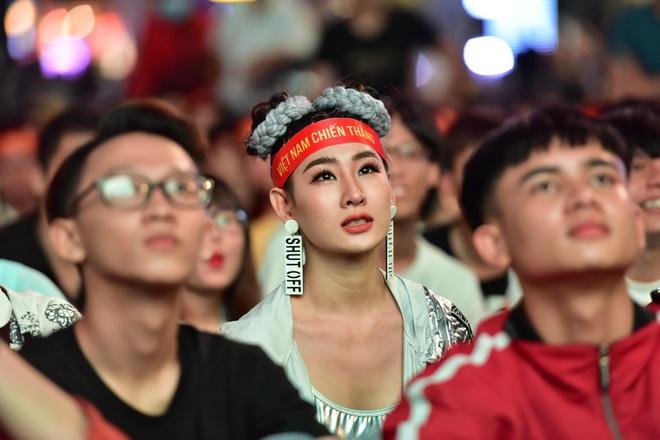 CDV an tuong voi cach thay doi so ao cua HLV Park Hang-seo hinh anh
