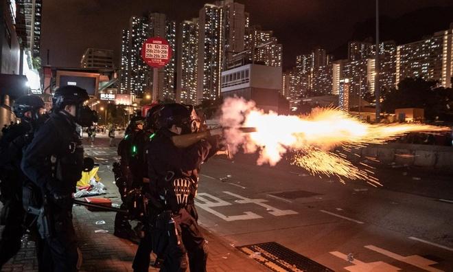 Hong Kong doi mat khung hoang lon nhat anh 1