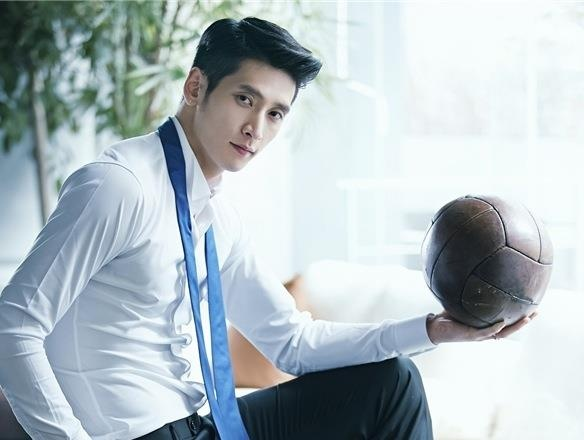 'Nam than bong chuyen' cao 1,98 m noi tieng tai Han Quoc hinh anh