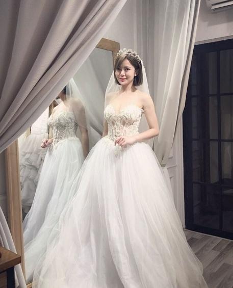 Hot girl Tu Linh se to chuc dam cuoi vao thang sau hinh anh 3