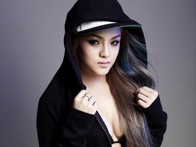 DJ Melo thi Vietnam's Next Top Model du chi cao 1,6 m hinh anh