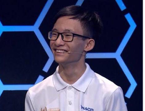 Nam sinh truong chuyen Ha Noi - Amsterdam gianh ve thi thang Olympia hinh anh 1